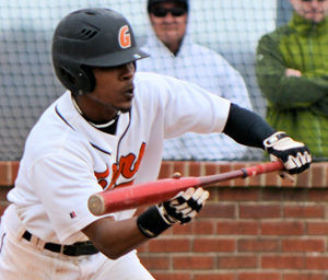 Duran Elmore made the most of his time on base Saturday. Photo by Richard Davis