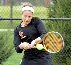 Alyssa Kennedy rallied for the singles win that also gave the Tigers the match win. Photo by Richard Davis