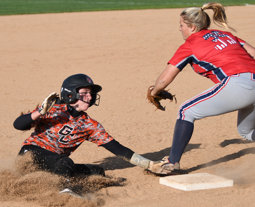 Cassidy Janes steals third Wednesday. Photo by Richard Davis