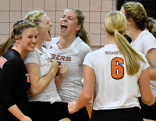 Georgetown College heads to Sioux City, Iowa for national tournament. Photo by Richard Davis