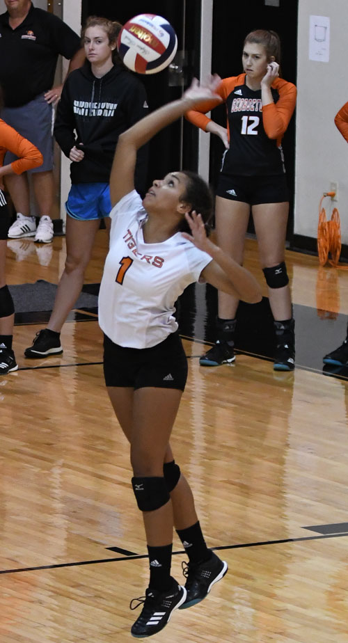 Lexie Gatewood had six aces Wednesday against Pikeville. Photo by Richard Davis
